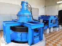 entreprise avec une machine hydraulique